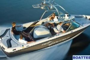 2008 Correct Craft CROSSOVER NAUTIQUE 216