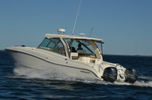 2017 World Cat 320 DC Boat Test Photo