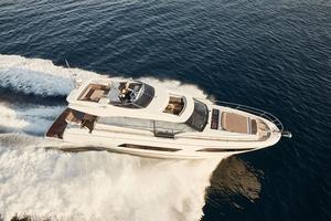 2020 Prestige Yachts 680 S