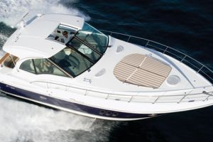 2010 Cruisers Yachts 420 SC