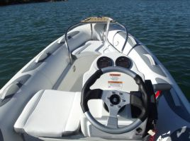 2016 Zodiac Yachtline 380 DL Boat Test Photo