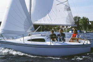 2011 Catalina Yachts 18