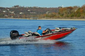 2017 Tracker Boats Pro Team 175 TXW Boat Test Photo