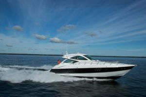 2015 Cruisers Yachts 540 SC
