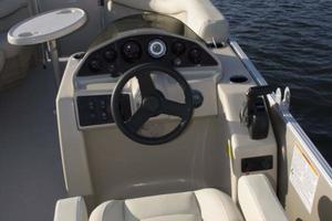 2020 Sylvan 818 MIRAGE CRUISE Buyers Guide Photo
