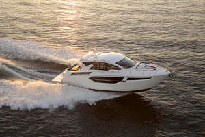 2018 Cruisers Yachts 42 Cantius Reviewed On BoatTest.ca