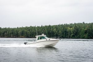 2017 Boston Whaler 315 Conquest Pilothouse