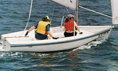 2011 Catalina Yachts 14.2