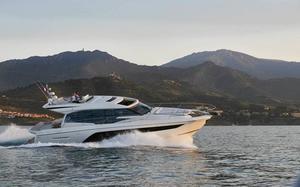 2020 Prestige Yachts 590S