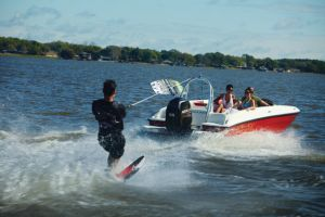 2014 Bayliner Element XL Boat Test Photo