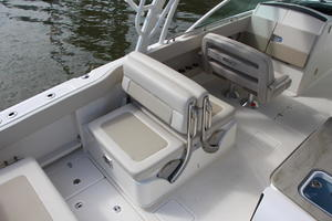 2018 Boston Whaler 320 Vantage Boat Test Photo