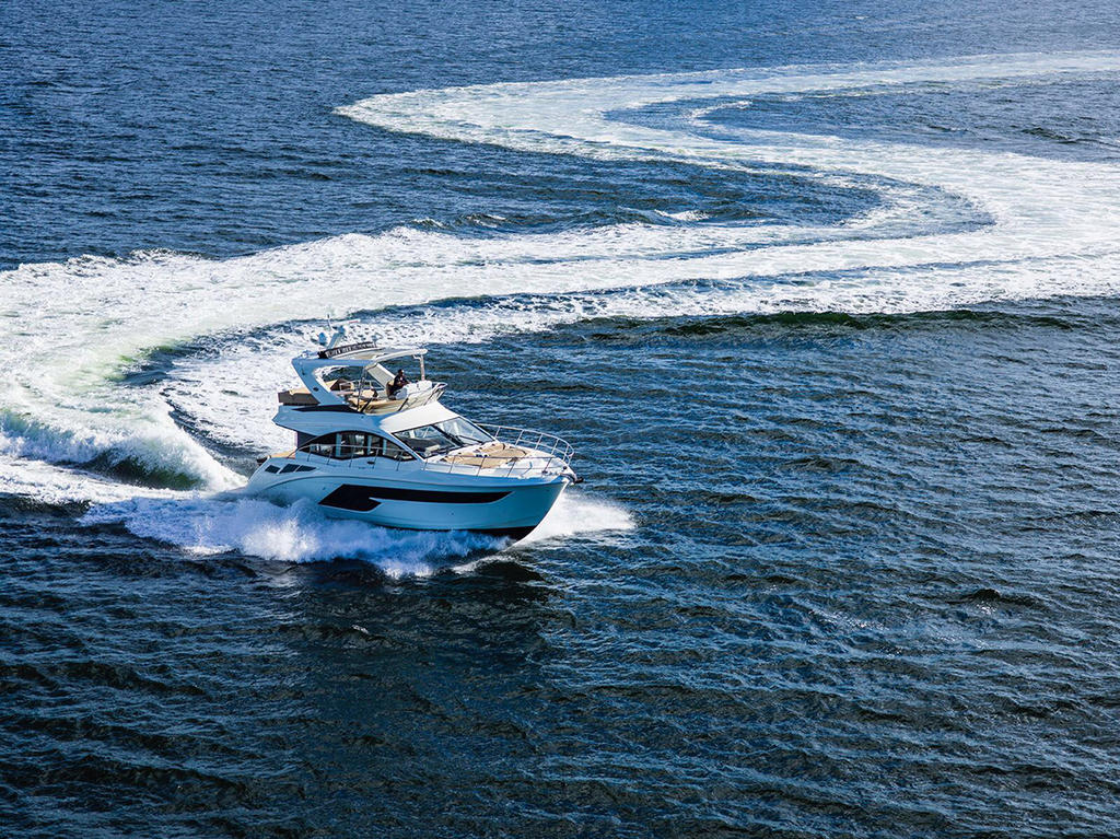 2018 Sea Ray Fly 520 Boat Test & Review 1329 | Boat Tests