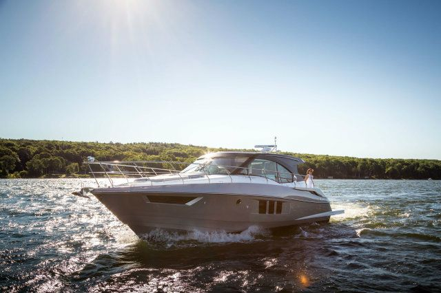 2018 Cruisers Yachts 45 CANTIUS Buyers Guide 23279 | Boat