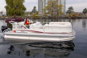 2011 Sun Tracker Party Barge 21 Signature Series Boat Test Photo