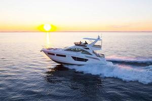 2020 Cruisers Yachts 60 FLY