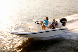 2019 Boston Whaler 180 DAUNTLESS  Buyers Guide Photo