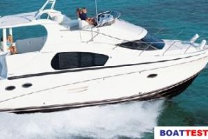 2009 Silverton 35 MOTOR YACHT Buyers Guide Photo