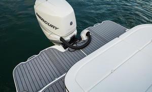2020 Sea Ray SDX 270 OB  Buyers Guide Photo