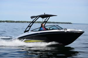2017 Yamaha AR195 Boat Test Photo