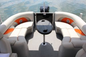 2017 SunChaser Classic Cruise 8524 Lounger DH Sport Boat Test Photo