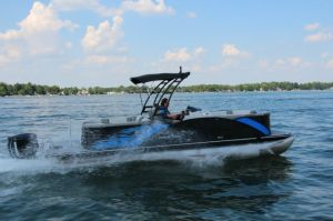 2017 Starcraft MX 25 R Boat Test Photo