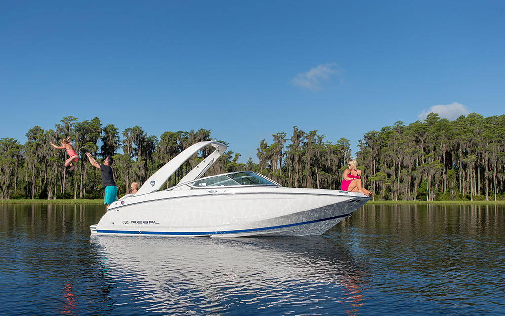 2019 Regal 22 FASDECK