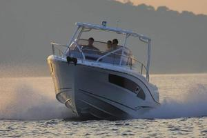 2020 Jeanneau Leader 9.0 Boat Test Photo