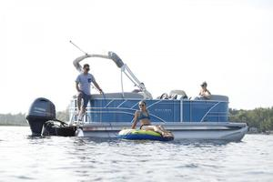 2020 Sylvan 822 MIRAGE PARTY FISH Buyers Guide Photo