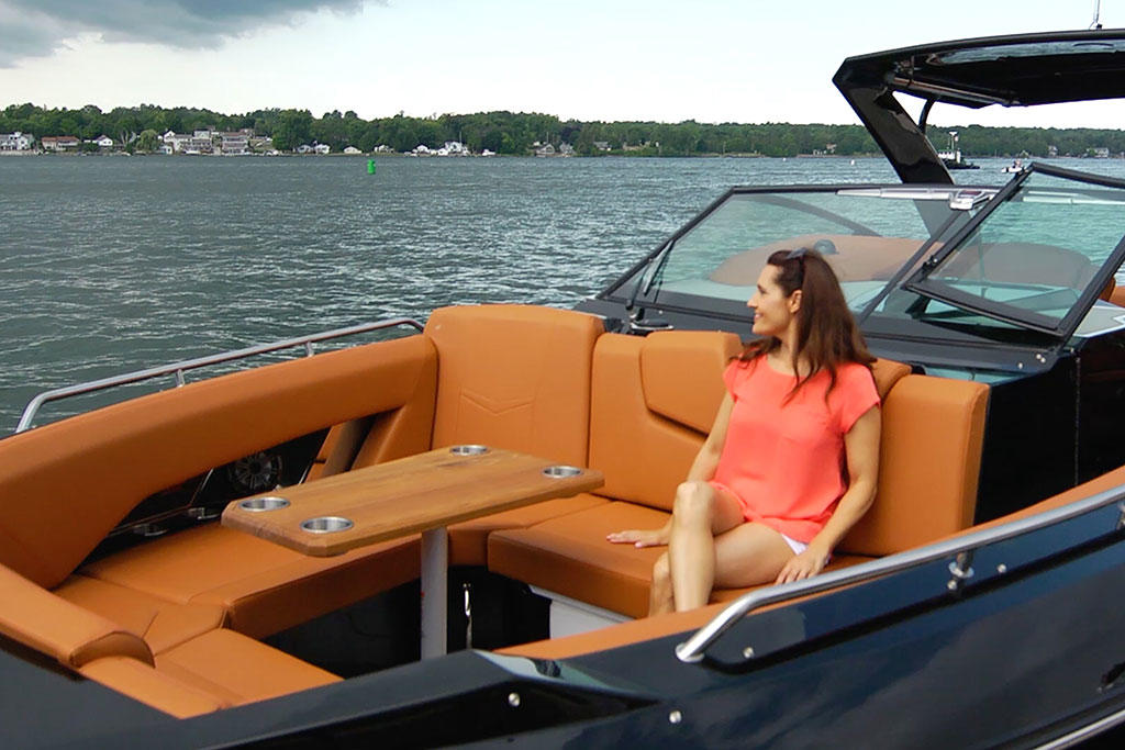 2020 Cruisers Yachts 338 BOW RIDER