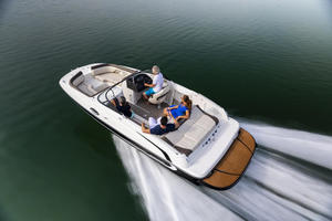 2019 Bayliner 215 DECK BOAT  Buyers Guide Photo