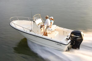 2019 Boston Whaler 190 OUTRAGE  Buyers Guide Photo