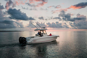 2019 Boston Whaler 280 OUTRAGE