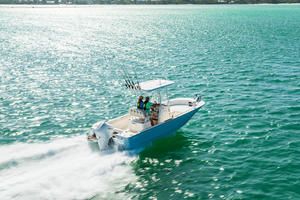 2019 Boston Whaler 210 MONTAUK