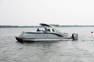 2019 Bennington Q 27 WB Twin Engine