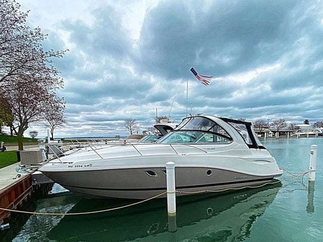 2017 Rinker boat for sale, model of the boat is 320EX & Image # 1 of 49