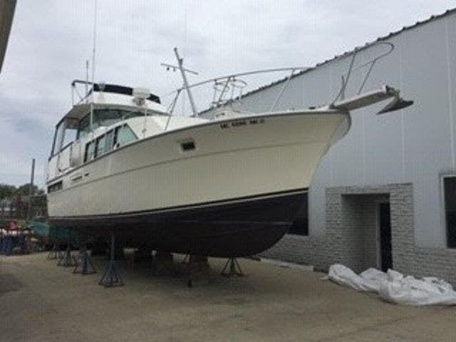 1980 Bertram boat for sale, model of the boat is 42 MOTOR YACHT & Image # 2 of 36