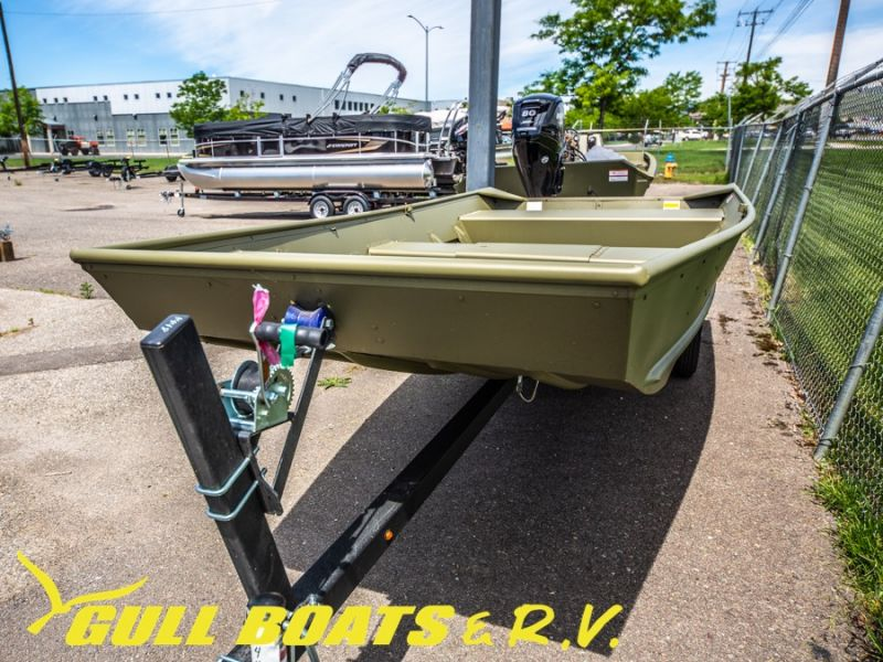 2021 Lowe boat for sale, model of the boat is Jon Boats L1448 & Image # 2 of 11