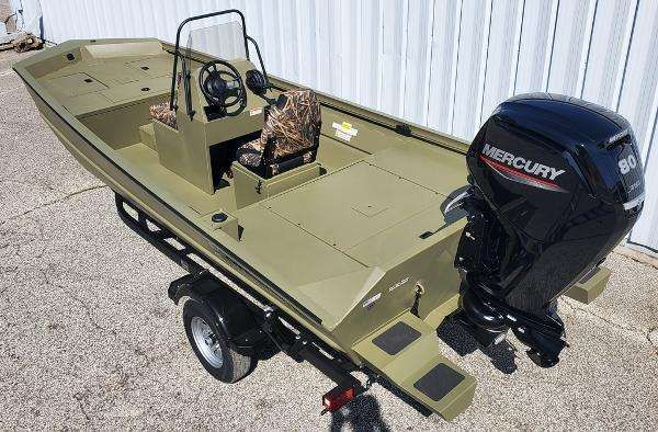 2021 Lowe boat for sale, model of the boat is Fish & Ski RX18TN & Image # 3 of 5
