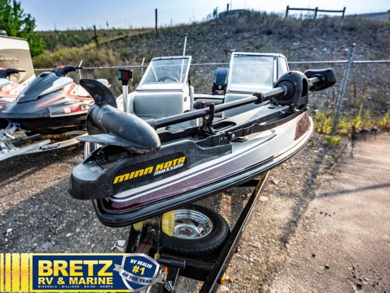 2004 Stratos boat for sale, model of the boat is Stratos 180FS & Image # 2 of 14