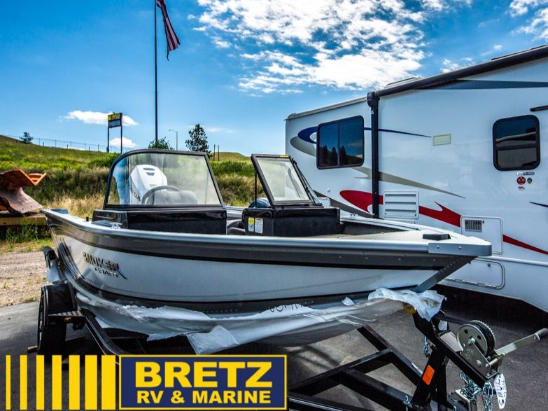 2022 Smoker Craft boat for sale, model of the boat is Ultima 172 & Image # 2 of 12