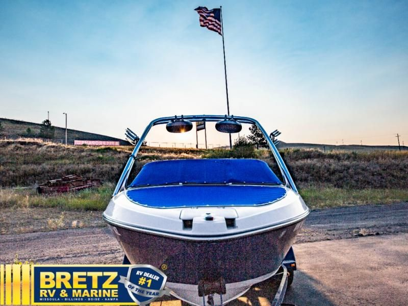 2009 Reinell boat for sale, model of the boat is Reinell 197LX & Image # 3 of 11