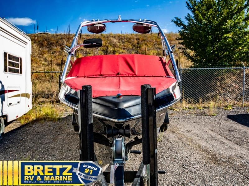 2006 MB Sports boat for sale, model of the boat is MB Sports B52 V-230 & Image # 2 of 11