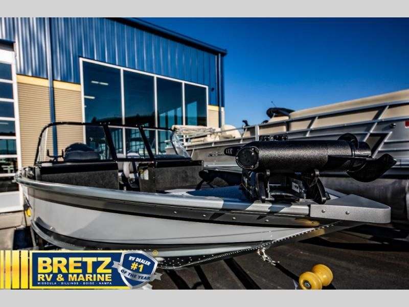 2021 Smoker Craft boat for sale, model of the boat is Ultima 182 & Image # 2 of 14