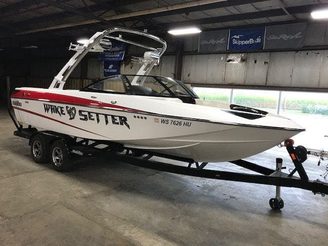 2011 Malibu boat for sale, model of the boat is 23LSV & Image # 1 of 16
