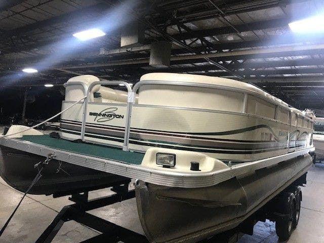 1999 Bennington boat for sale, model of the boat is 2280RL & Image # 1 of 7