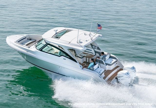 2021 Tiara Yachts boat for sale, model of the boat is 34LX & Image # 1 of 15