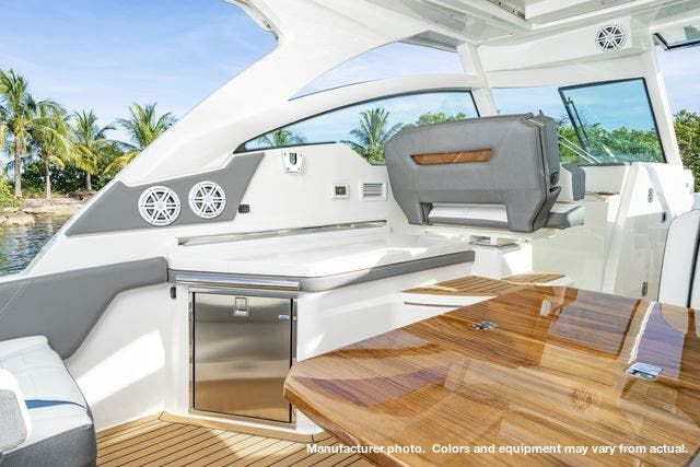 2021 Tiara Yachts boat for sale, model of the boat is 34LX & Image # 2 of 15