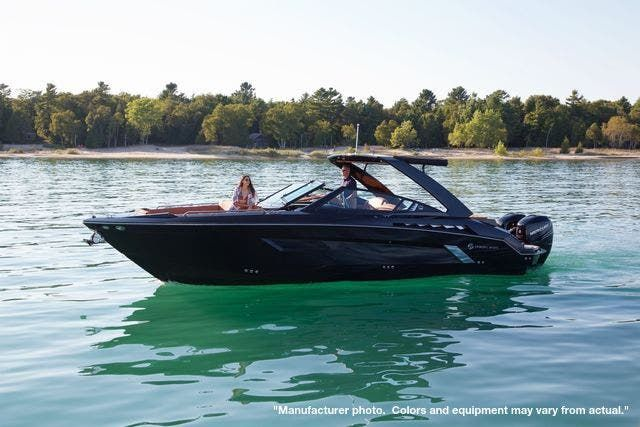 2022 Cruisers Yachts boat for sale, model of the boat is 390EXPRESSCOUPE & Image # 1 of 11