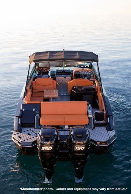 2022 Cruisers Yachts boat for sale, model of the boat is 390EXPRESSCOUPE & Image # 2 of 11