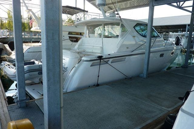2008 Tiara Yachts boat for sale, model of the boat is 4300 SOVRAN & Image # 2 of 15